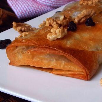 Strudel con Manzana, Pasas de Uva y Nuez, una receta muy rica e ideal para una tarde de invierno o para cubrir con una bocha de helado durante el verano.