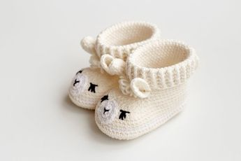 b6ab0603cee75 Pregnancy gift ideas Congrats Soon to be mom Fertility present set Unique new  parents booties Expecting
