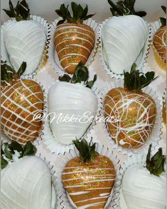 White & Gold @hennessy Chocolate Covered Strawberries  x @nikarycoxx  #NikkiEtreats #blingberries #RoseBerries #chocolaterose #chocolatecoveredstrawberries #chocolatestrawberries #chocolatestrawberry #chocolate #strawberry #infusedstrawberries #infused #chocolateheels  #highheels  #highheelshoes #chocolatehighheelshoes  #atlanta #BananaPudding #Dessert #sweets #treats #atlart #atlantaart #atlstrawberries  #atlsweets #Patron  #roses #Flowers #strawberryroses #edibleroses #nowthatsludicrous