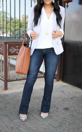 How to Wear Bootcut Jeans + 12 Outfits With Bootcut Jeans