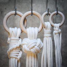 Different ways to start a plant hanger. #frostadesign #planthanger #knots