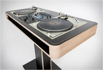 Stereo T Dj Workstation | By Hoerboard