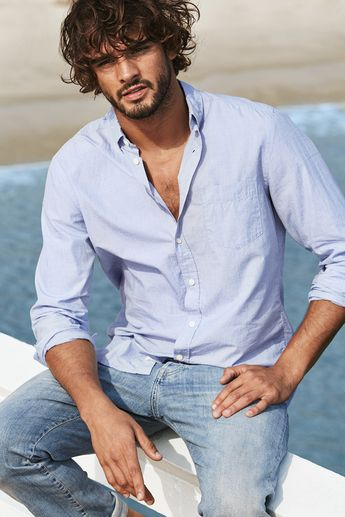 Light blue cotton shirt with button-down collar & chest pocket. | H&M For Men