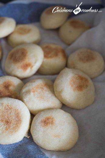 Les batbouts, ce sont des petits pains sans matières grasses cuits à la poêle que l'on consomme souvent au Maroc. Ils sont très faciles à faire et délicieux. On en consomme beaucoup pendant la période de Ramadan : en tartines, en accompagnement d'un tajine, farcis… C'est parfaitpour un pique nique, par exemple ! La recetteRead More #RecetteRapideDejeuner