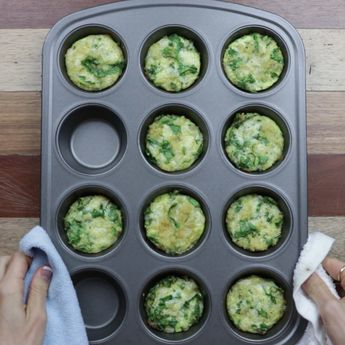 Baked Breakfast Quinoa and Spinach Bites