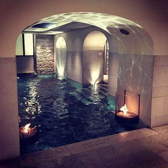 Des thermes dans une ancienne écurie ! #piscine #swimmingpool #architecture