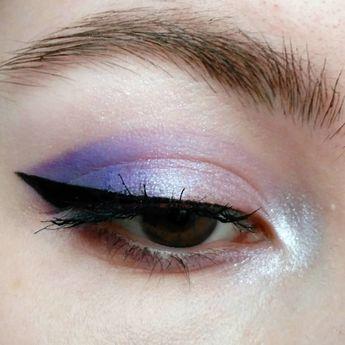 purple haze products used: • @glossier boy brow in brown +lidstar in lily • @maybelline lash sensational + hyper precise eyeliner • @bourjoisparis blur the lines concealer • @makeuprevolution regeneration mischief matte palette
