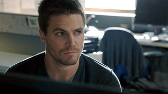 "#Arrow reaction gifs ""What?"""