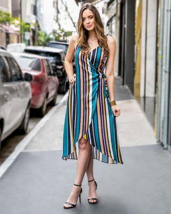 Fresh & Chic! Tendência da temporada  o vestido transpassado ganha destaque neste verão. @innocencefashion Vestido: 904718 #modafeminina #modaatacado #bomretiroatacado #vestido #wrap #listras #colouredstripes #trend #fashion #style #novidades #moda #primaveraverao #innocencefashion