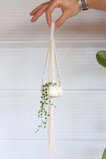 Vintage Macrame Plant Hanger Ideas 63