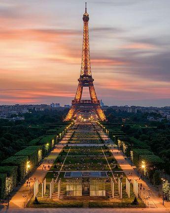 """Paris on Instagram: """"TOP Paris 📷 par @ag_photographe • #topparisphoto Allez sur la galerie à la une pour partager les likes !! Look at the featured gallery to…"""""""