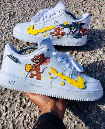 Nike customisé TOM AND JERRY #AIKOCHAUSURE #BASKETFEMME #CHAUSSUREFEMME