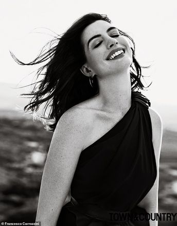 Anne Hathaway says she's 'grateful' for Instagram