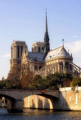 La catedral de #PARÍS #NotreDame, es la catedral gótica por excelencia. www.vi... - #catedral #de #es #excelencia #gótica #La #NotreDame #Paris #por #wwwvi