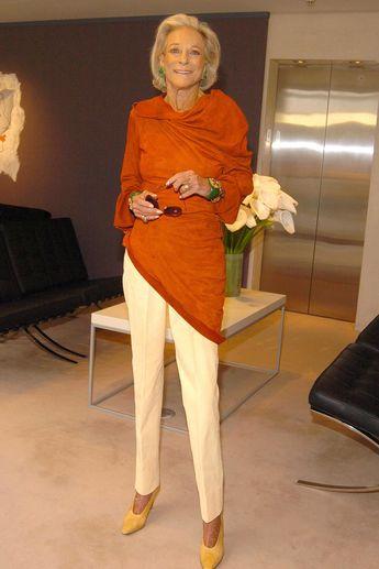 fashion over 50 older women makeup tips #over50fashionover50pants