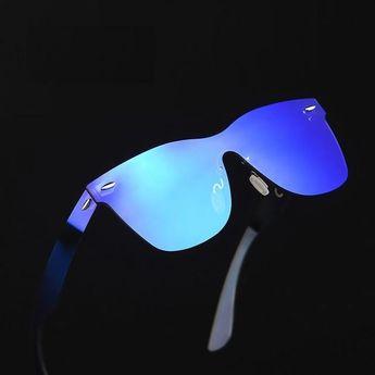 1ecac0d6be Batman Sunglasses Batman sunglasses with black frames and y