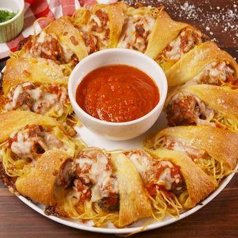 Spaghetti & Meatball Ring