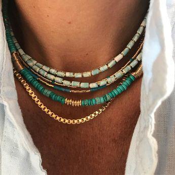 La turquoise c'est la vie , tout simplement.Colliers turquoise tube claire et foncé , collier maille vénitienne , collier or et turquoise baroque et collier section turquoise #bijoux #collier #necklace #turquoise #jewels #jewelry #luj #lujbijoux #instaluj #instabijoux #instajewelry #instajewels www.lujparis.com