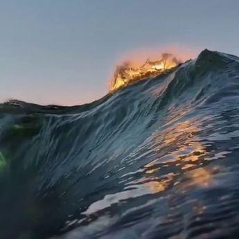 Looping Waves