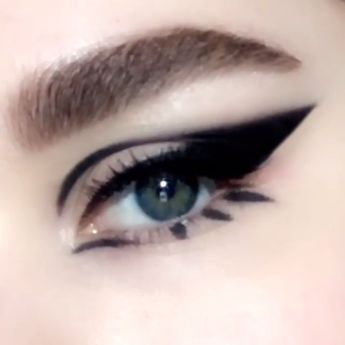Video Tutorial: Smokey bold winged '60s mod cat-eye makeup look created using PermaGel Ultra Glide Eye Pencil in 'EXTREME BLACK', $25; PATMcGRATH.COM. #cateyetutorial #cateyehowto #makeuptutorial #cateyemakeup #smokeyeyehowto #PatMcGrathLabs #PMGHowTo