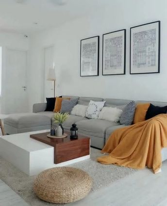 31+ Neat and Cozy Living Room Ideas for Small Apartment #livingroomdesign #livingroomdecor #livingroomideas ~ Beautiful House