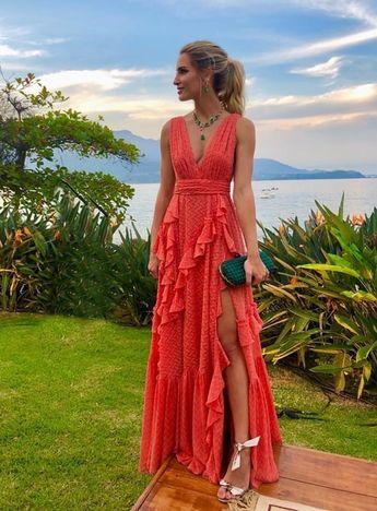 Vestido longo coral 2019: fotos, modelos e tendências para madrinhas!