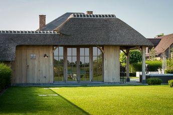 Bourgondisch kruis realisations pool house