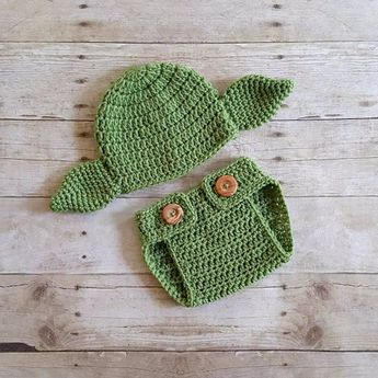 f3d2f1631 Crochet Baby Yoda Hat Beanie Shirt Shoes Booties Boots Set