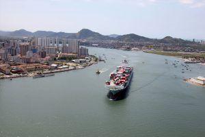 Tarcísio prepara pacote de estímulo à navegação de cabotagem