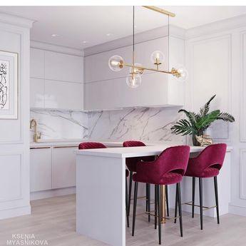 На данном изображении может находиться: стол и в помещении