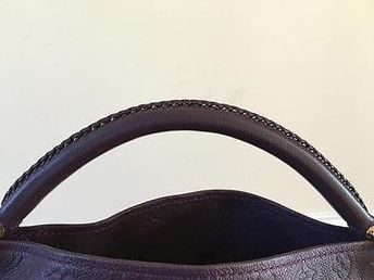 da126ae33f035 LOUIS VUITTON Monogram Empreinte Leather Artsy Mm Aube Hobo Bag