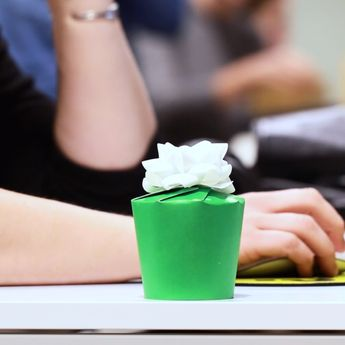 How To Turn A Paper Cup Into A Gift Box #gift #hack #DIY