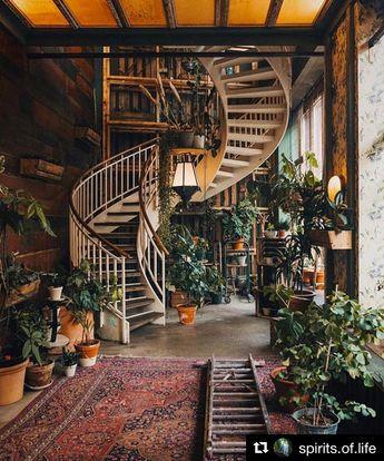 BOHEMIAN | STAIRCASE | STAIRS | BOHO | HOME DECOR | #stairs #staircase #bohemiandecor #bohemiandecor www.cocoroseinteriors.com.au