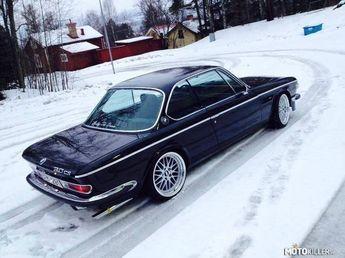 BMW E9 | BMW e series | classic cars | classic BMW | BMW in snow | winter