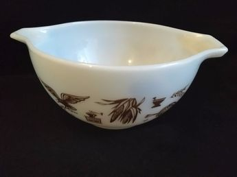 Details about Vintage Pyrex 441 1.5 pt. Early American White & Brown Cinderella