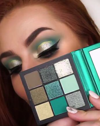 Huda Beauty Emerald Obsessions   Rimmel Wonder'swipe (002)   Fentybeauty Flyliner   MAC Whirl Lip Pencil   Charlotte Tilbury Pillow Talk _____ #hudabeauty #shophudabeauty #hudabeautyobsessions #fentybeauty #withlovenadia #makeuptutorial #eyeshadow #eyemakeup