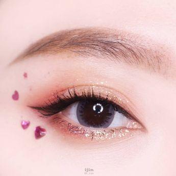 #glitter #simple #makeup #simplemakeup #beauty #eyemakeup #koreanmakeup