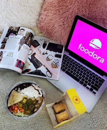 I love food but I hate driving. 🚗 Don't worry if you're like me, @foodora_ca has got your back! Not only does it deliver to your home, but @foodora_ca has also partnered up with over 200 restaurants in Toronto to offer 50% off some of your favourite menu items 😋 |*sponsored  Hurry up and take advantage of this offer because%