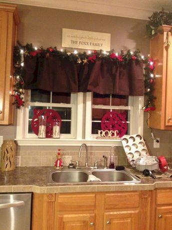 35 Cozy Christmas Kitchen Decorating Ideas - Decoradeas