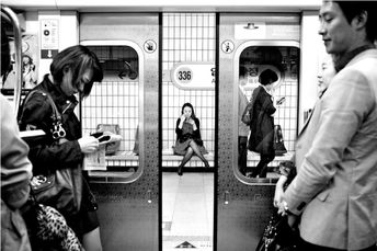 Best Street Photography Project Ideas To Get You Going
