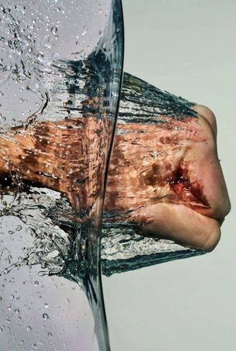 High Speed Photography: punching water