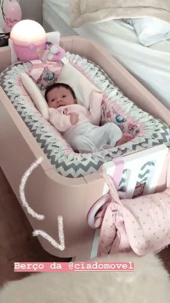 O bebe mais linda com roupa de flamingo