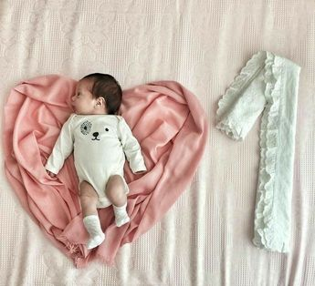 Best baby photo shoot ideas at home DIY