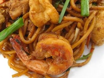 Recently I was craving for Malaysian style fried spicy noodle or mee goreng mamak. Of course, I have to cook this fried noodle myself at hom...