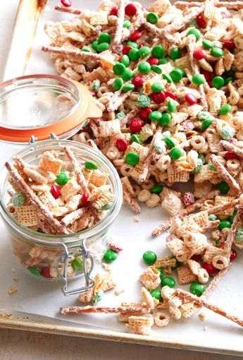 White Chocolate Christmas Crack from www.whatsgabycooking.com the BEST treat this time of year!! (@whatsgabycookin)