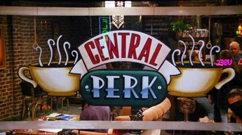 'Friends' Fans - Central Perk Coffee Shop Opening In New York