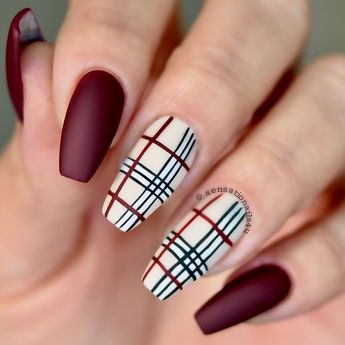 Nails inspired by Burberry Plaid 💁🏼♀️⠀⠀⠀⠀⠀⠀⠀⠀⠀ I can't let pass this fall without having Burberry on my nails 😋⠀⠀⠀⠀⠀⠀⠀⠀⠀ All design hand…