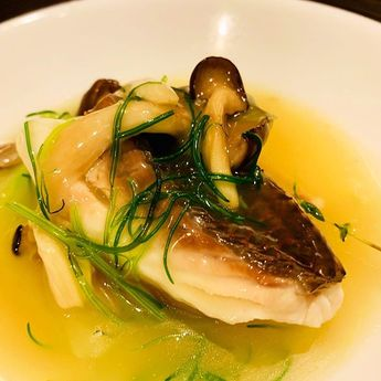 コンソメの香りと味わいがたまらない   コース限定の魚料理  真鯛のヴァポーレ  コンソメの香りと味わいがたまらない   コース限定の魚料理  真鯛のヴァポーレ コンソメ仕立て   当日のコースもご用意出来ますのでお気軽にご注文下さい   #キッチンイチニョ #一如 #instafood #タイ #魚 #コンソメスープ #ビストロ #bistro #美味しい #グルメな人と繋がりたい #ワイン好きな人と繋がりたい #食べスタグラム #肉スタグラム #食べるの好きな人と繋がりたい #グルメ #美味しいもの好きな人と繋がりたい #ワイン #隠れ家 #グルメな人と繋がりたい #うまい #パーティー #飲酒たぐらむ #美味しかった #ワイン酒場 #wine #コース #instagram #instalike #instagood #幸せ