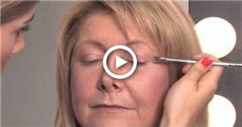 Makeup Tips for Older Women : How to Apply Eye Makeup Over 40 #makeup