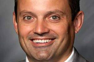 """Indiana GOP's House Leader resigns after texting sexually explicit video of himself cheating on wife to everyone on his """"Contacts"""" list"""